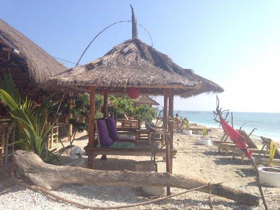Sejuk Cottages: paillote sur la plage