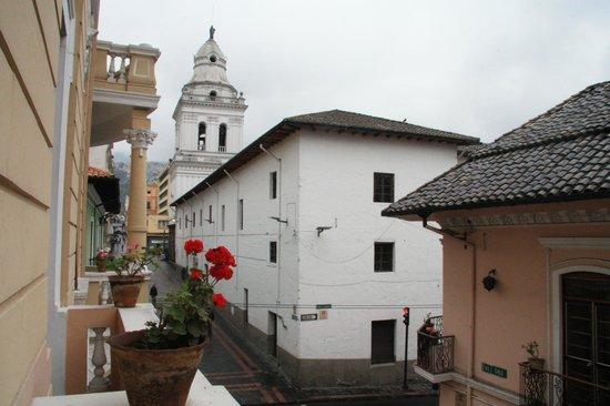 Hostal Quito Cultural: Вид на улицу из номера