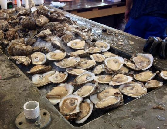 French Market: Oysters