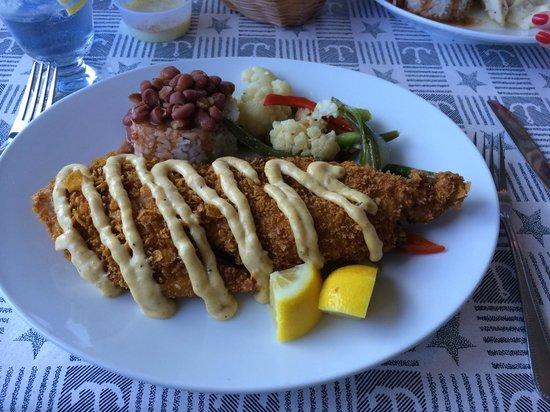 Bayside Grille & Sunset Bar : Corn flake encrusted grouper