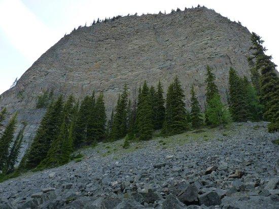 Lake Louise Hiking: Looking at up Big Beehive.
