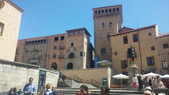 Calle Real de Segovia: torreon