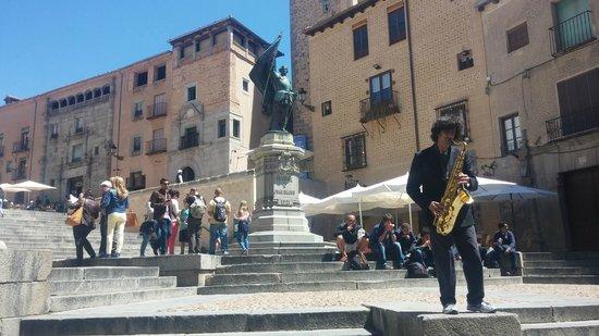 Calle Real de Segovia: monumento