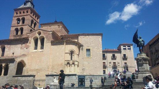 Calle Real de Segovia: iglesia