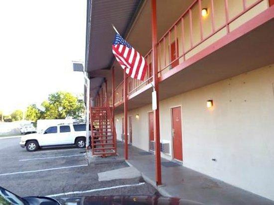 American Inn & RV Park : Exterior Side view