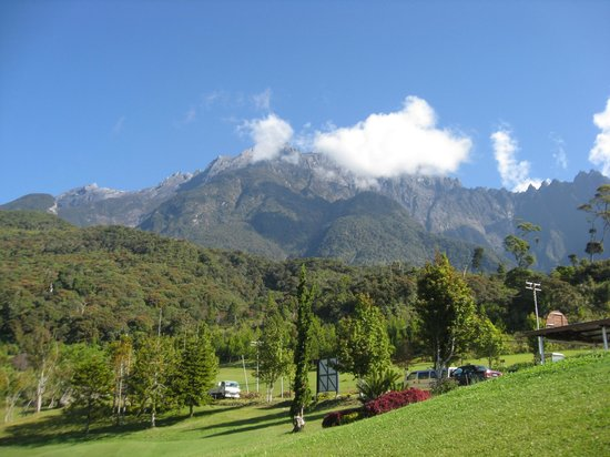 Mount Kinabalu Golf Club : ゴルフ場から見たキナバル山