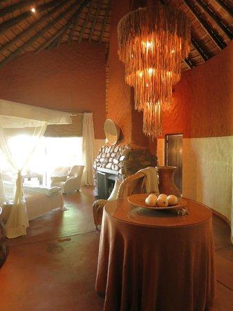 Tswalu Kalahari Reserve: entry way for room 5