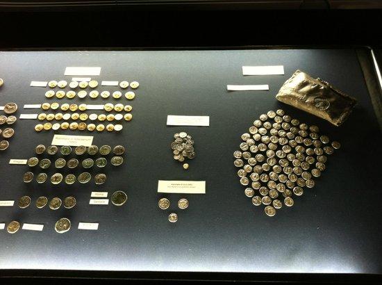 Museo Archeologico Regionale P. Orsi : Museo Archeologico Paolo Orsi , monete