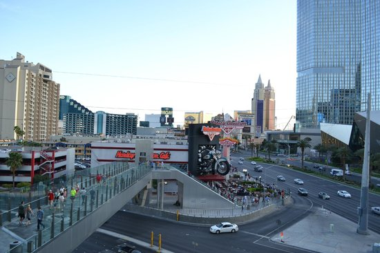 Eli Roth's Goretorium Baby Doll Cafe - view of the Strip!