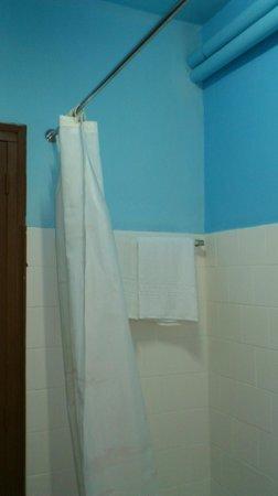 Martinez : salle d'eau