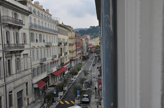 Hotel Beau Rivage : View from the room towards the market