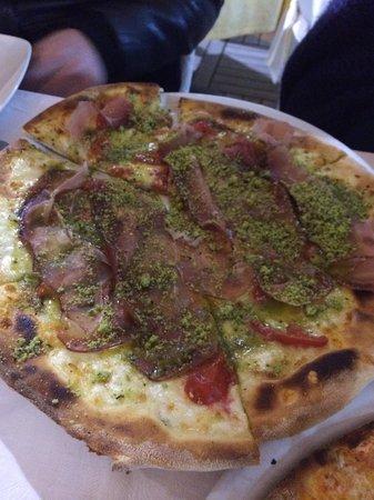 La Vela: Pizza à la pistache