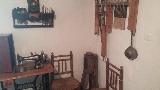 House Museum of Antonio Machado: rincon de la cocina
