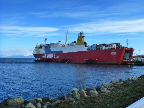 Navimag: Ferry atracado em Puerto Natales