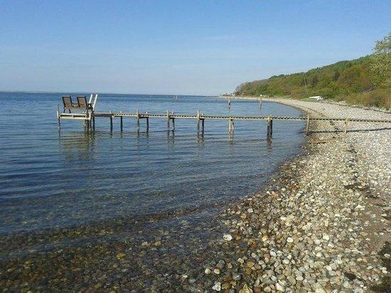 Allan Lindholm Andreassen: Uitzicht op de pier die bij het huis hoort.