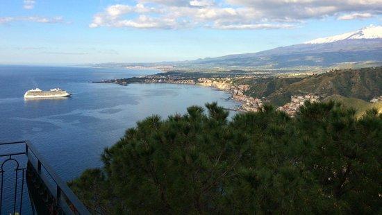 Hotel Villa Diodoro: Balcony View Early Morning