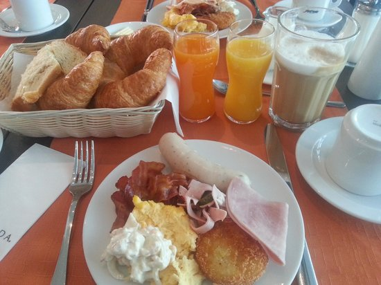 RAMADA Hotel Salzburg City Centre: Breakfast dishes