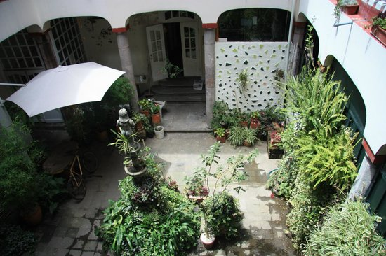 Hostal Quito Cultural: Внутренний двор