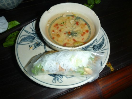 Vietnam Awesome Travel: Fried fish spring rolls