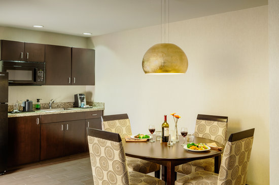 Hilton Garden Inn Eugene / Springfield: One of our spacious suites