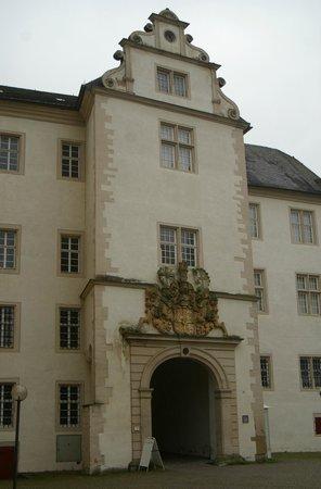 Deutschordensmuseum: Haupteingang ins Schloss