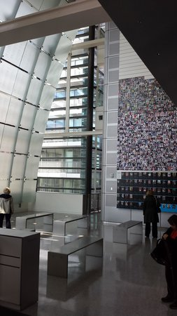 Newseum : Journalist Memorial Gallery