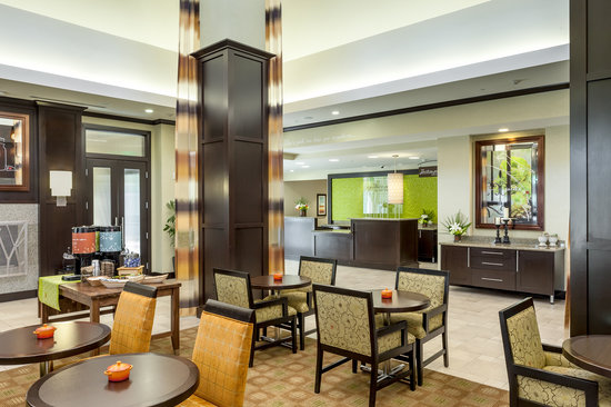 Hilton Garden Inn Eugene / Springfield: Gather with friends and collegues in our lobby
