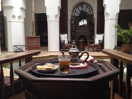 Dar Mo'da : Tea time