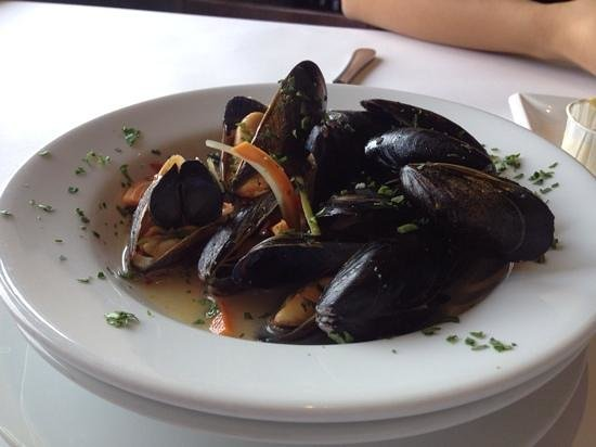 Pasto's Grill: mussels !