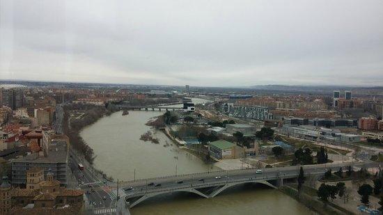 Ascensor del Pilar : el rio ebro