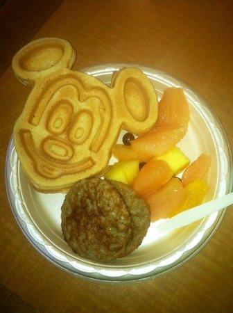 Hampton Inn Orlando/Lake Buena Vista: Complimentary Breakfast