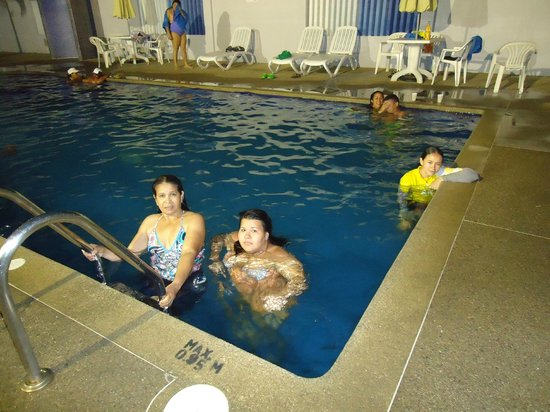 Imperial Hotel : PARTE DEL GRUPO EN DISFUTE TOTAL