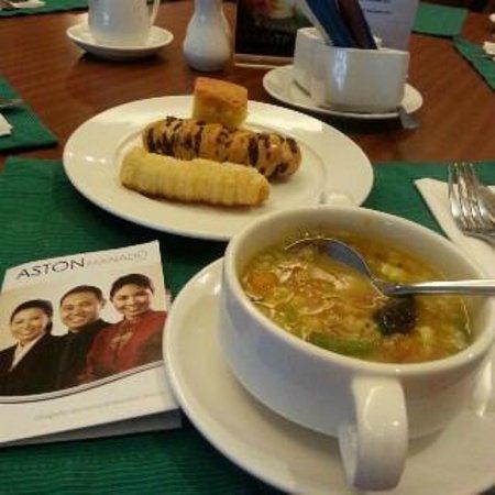 Aston Manado Hotel: sarapan