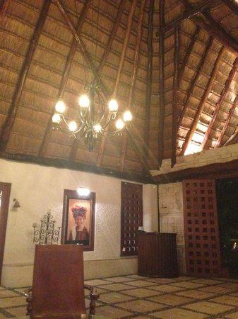 Amarte Hotel: Reception area