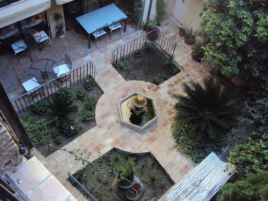 Hotel de La Font: Patio