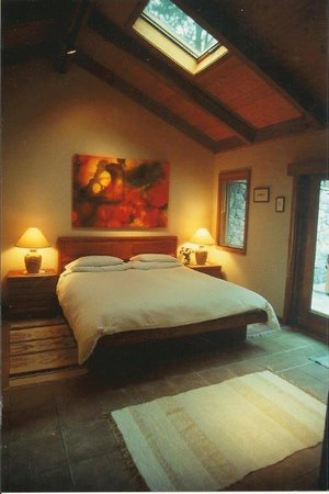 Ferrando's Hideaway Cottages: Bungalow Bedroom