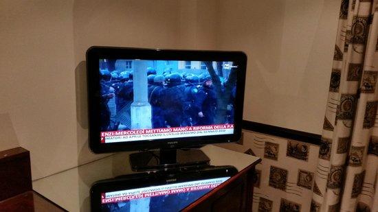 The Chesterfield Mayfair: Tv LCD con Rainews24