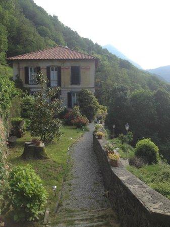 B&B Villa Le Ortensie : L'arrivo alla villa.