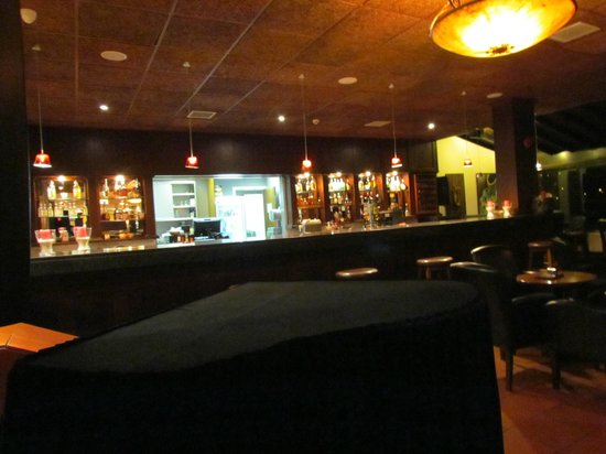 Rodon Mount Hotel and Resort : The piano bar