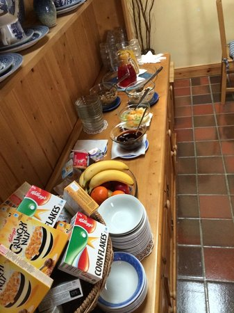 The Courtyard: Continental breakfast