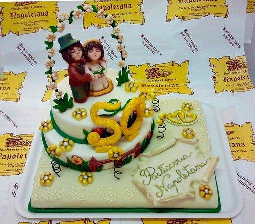 Torta Per 50 Anni Matrimonio Foto Di Pasticceria Napoletana