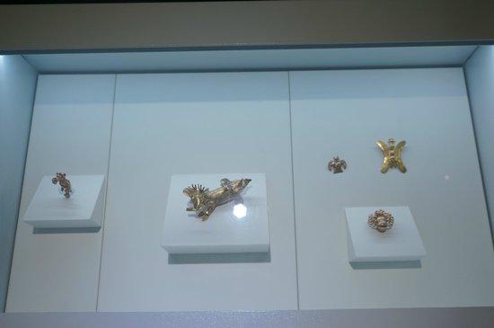 Museo del Oro Precolombino: Gold ornaments