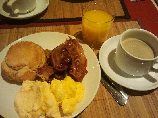 Senator Castellana Hotel: Breakfast