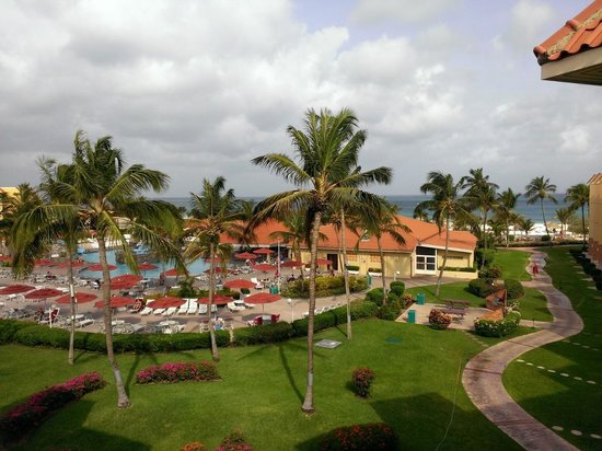 La Cabana Beach Resort & Casino : LaCabana pool with beach nearby