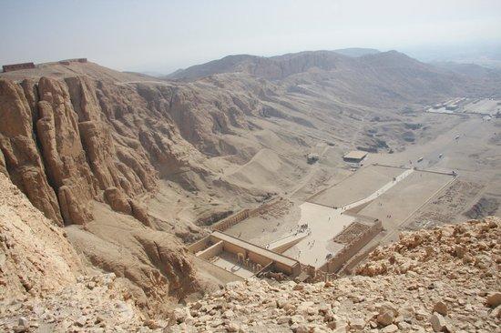 Totentempel der Hatschepsut im Deir-el-Bahari-Tal: Temple of Hatshepsut from above