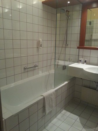 Hotel Mercure Wien Westbahnhof: Bathroom
