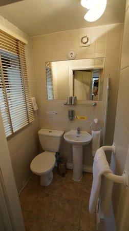 Ye Olde Coach House: Room_1 Bathroom
