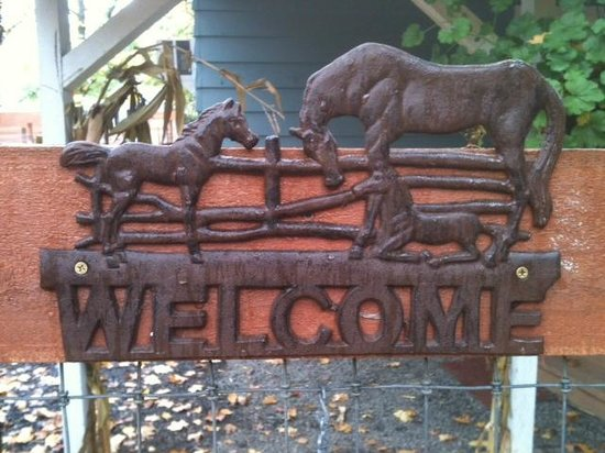 Territorial Bed and Breakfast and Barn : Welcome to our B&B&Barn