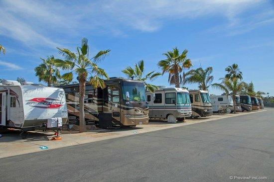 Paradise by the Sea Beach RV Resort: Full Hook Up RV Sites