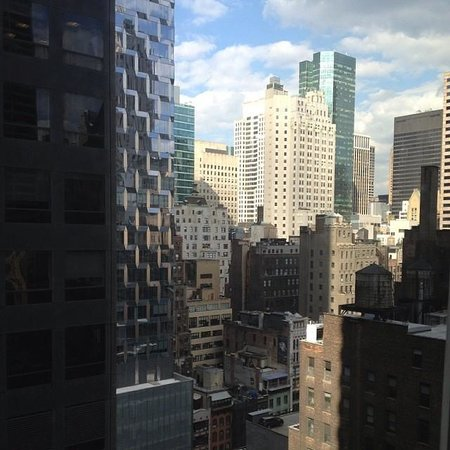 Cassa Hotel 45th Street New York: Awesome view from our Cassa Hotel room!